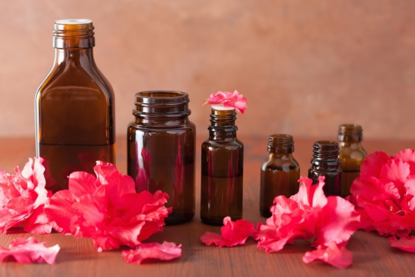 Essential oils have great benefits for hair care.